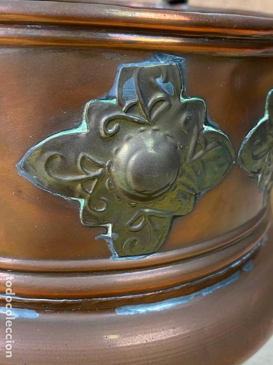 Antigüedades: Olla de cobre o laton decorada con incrustaciones metalica estilo oriental - 16 cm de diametro - Foto 4 - 198205425