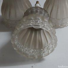 Antigüedades: TRES GLOBOS DE LAMPARA. Lote 198255183