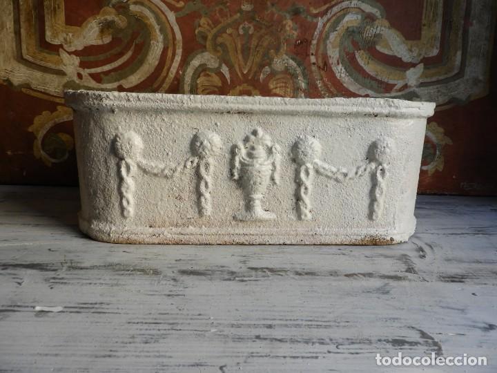 Antigüedades: JARDINERA OVALADA DE HIERRO CON BONITO TRABAJO - Foto 2 - 198288642