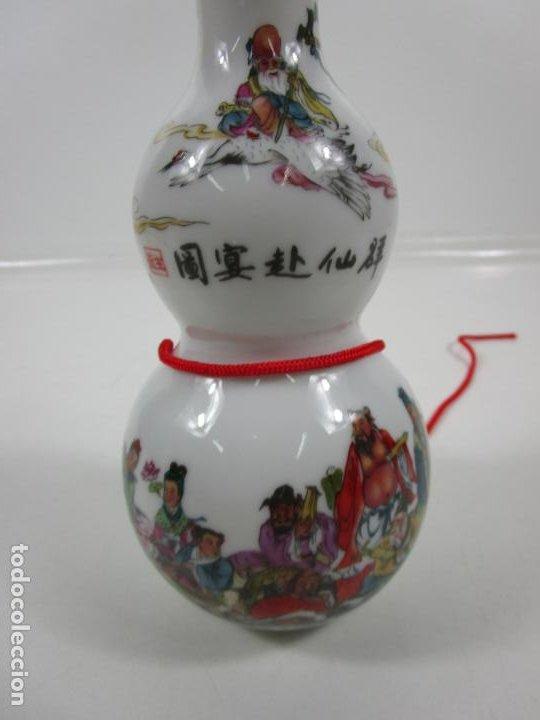 Antigüedades: Juego de Sake - Porcelana Japón - Sello en la Base - con Caja - Años 50 - Nuevo a Estrenar - Foto 4 - 198325930