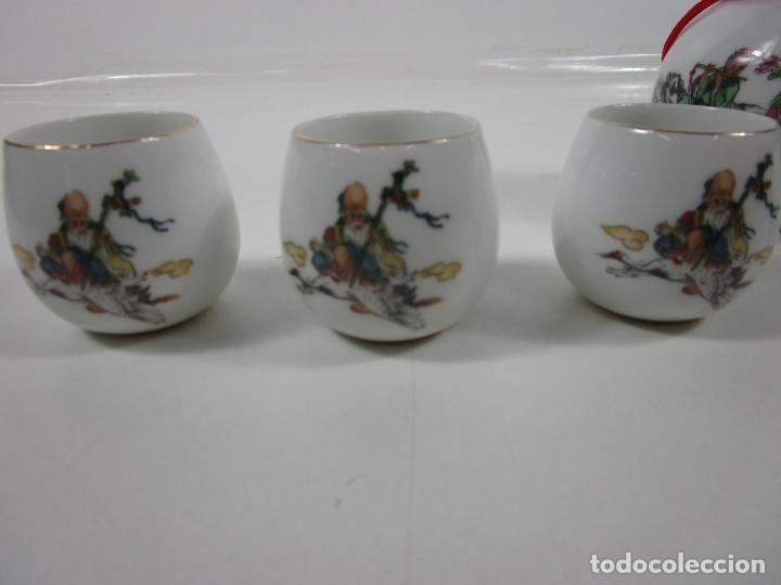 Antigüedades: Juego de Sake - Porcelana Japón - Sello en la Base - con Caja - Años 50 - Nuevo a Estrenar - Foto 10 - 198325930