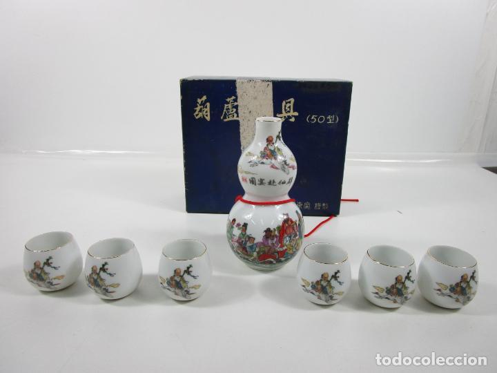 Antigüedades: Juego de Sake - Porcelana Japón - Sello en la Base - con Caja - Años 50 - Nuevo a Estrenar - Foto 17 - 198325930