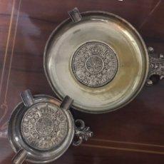 Antigüedades: LOTE DE 2 CENICEROS CON ESCUDO HERÁLDICO. Lote 198369741