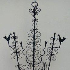 Antigüedades: CANDIL CANDELABRO DE HIERRO FORJA S. XIX. 83 CMS DE ALTURA (BUEN TAMAÑO).. Lote 198371038