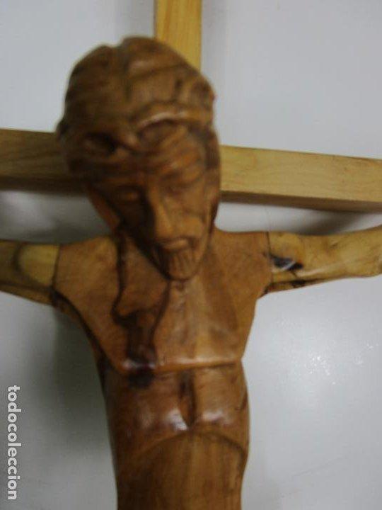 Antigüedades: Crucifijo - Cristo a la Cruz - Talla en Madera de Boj - 62 cm Altura - Foto 12 - 198391072