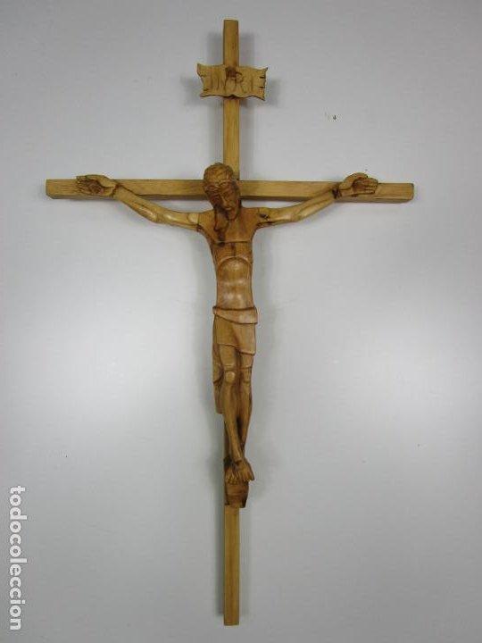 CRUCIFIJO - CRISTO A LA CRUZ - TALLA EN MADERA DE BOJ - 62 CM ALTURA (Antigüedades - Religiosas - Crucifijos Antiguos)
