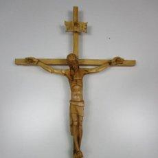 Antigüedades: CRUCIFIJO - CRISTO A LA CRUZ - TALLA EN MADERA DE BOJ - 62 CM ALTURA. Lote 198391072