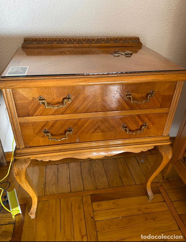MESITAS DE NOCHE VINTAGE (Antigüedades - Muebles Antiguos - Mesas Antiguas)