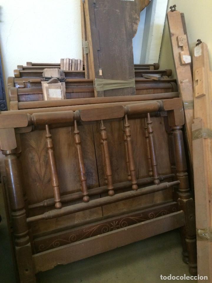 CONJUNTO COMPLETI CINCO CAMAS (Antigüedades - Muebles Antiguos - Camas Antiguas)