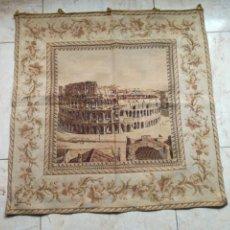 Antigüedades: TAPIZ MUY ANTIGUO CON ESCENA DEL COLISEO DE ROMA.. Lote 198524535