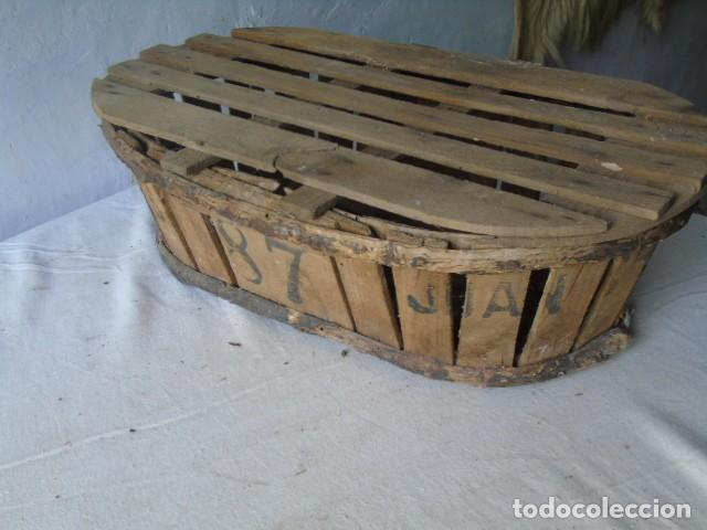 Antigüedades: CAJA CESTA BANASTA DE MADERA CON SU TAPA DIFICIL !!! - Foto 2 - 198529827