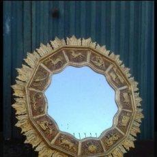 Antigüedades: ESPEJO SOL DE MADERA. Lote 198533976