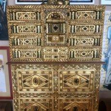 Antigüedades: MARAVILLOSO BARGUEÑO ANTIGÜO DE PAN DE ORO Y MARFIL, PERFECTO ESTADO. Lote 198541918