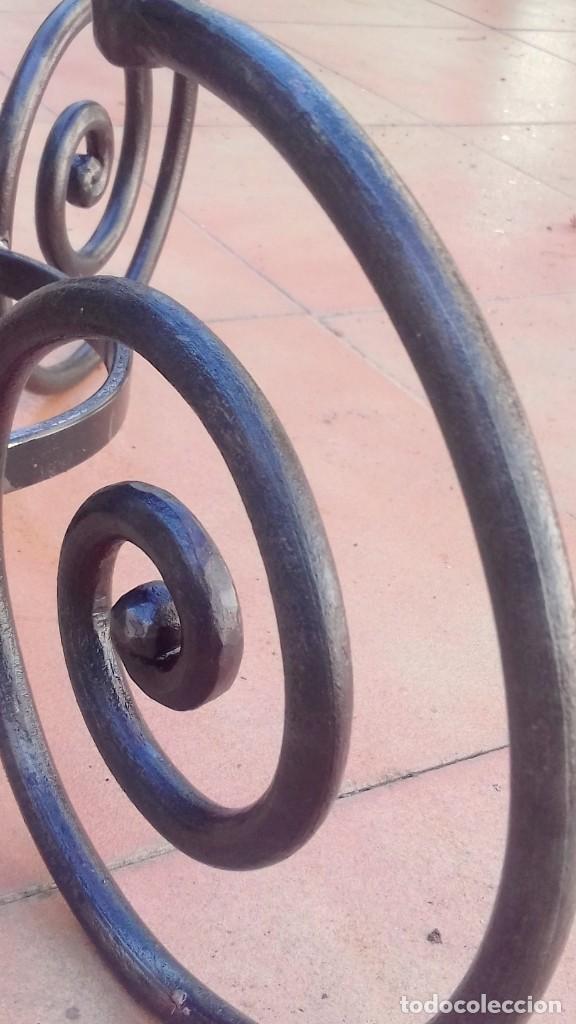 Antigüedades: Macetero de forja modernista pesado y macizo - Foto 8 - 198629258