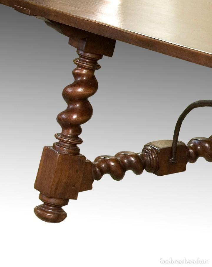 Antigüedades: Mesa de comedor con pata salomónica, siglo XX. - Foto 3 - 198680127