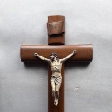 Antigüedades: CRUCIFIJO ANTIGUO CON CRUZ Y CRISTO EN MADERA.. Lote 198692902