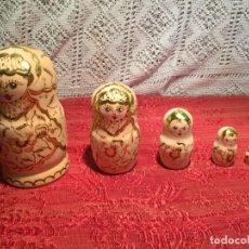 Antigüedades: ANTIGUAS MUÑECA RUSA MATRIOSKA DE 5 PIEZAS ORIGINALES AÑOS 60-70 DE MADERA . Lote 198758621