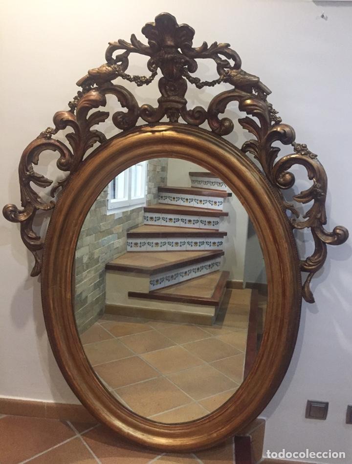 IMPRESIONANTE ESPEJO FRANCÉS PRINCIPIOS SIGLO XIX EN MADERA TALLADA DORADA (Antigüedades - Muebles Antiguos - Espejos Antiguos)