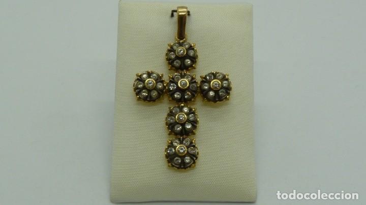 CRUZ ESTILO ISABELINO CON 6 ROSETONES DE ZAFIROS BLANCOS. (Antigüedades - Religiosas - Cruces Antiguas)