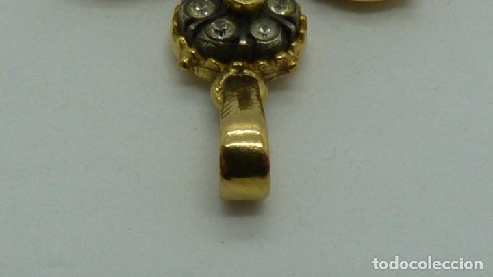 Antigüedades: CRUZ ESTILO ISABELINO CON 6 ROSETONES DE ZAFIROS BLANCOS. - Foto 14 - 198826970