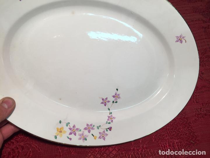 Antigüedades: Antigua bandeja / fuente de porcelana blanca de forma oval años 50-60 - Foto 5 - 198843457