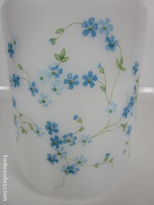 Antigüedades: Bote - Albarelo de Farmacia - Cristal Opalina Blanca - Pintado a Mano - Principios S. XX - Foto 2 - 198925981