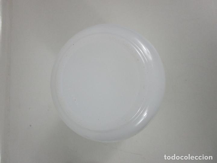 Antigüedades: Bote - Albarelo de Farmacia - Cristal Opalina Blanca - Pintado a Mano - Principios S. XX - Foto 10 - 198925981