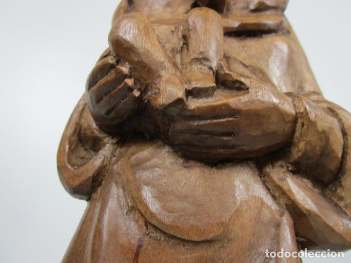 Antigüedades: Virgen con Niño - Talla de madera - Talleres de Olot - 43 cm Altura - Años 50 - Foto 3 - 198981670
