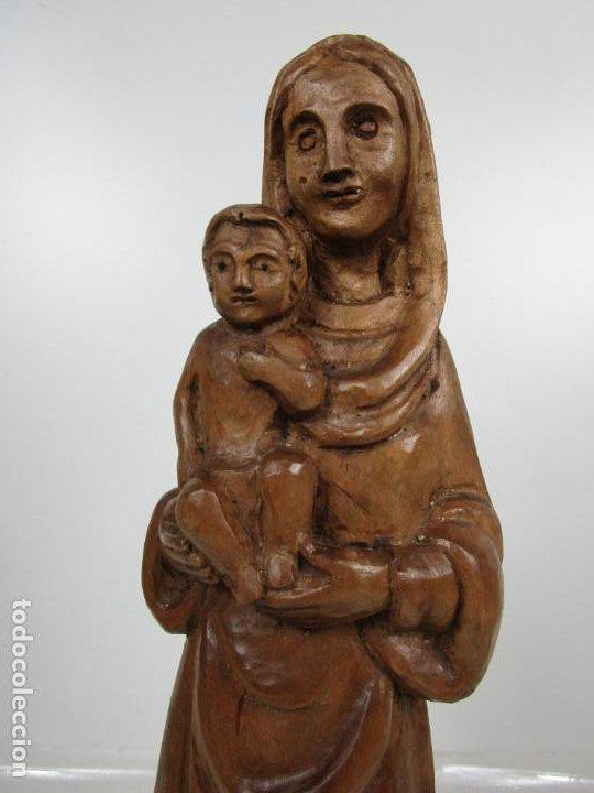 Antigüedades: Virgen con Niño - Talla de madera - Talleres de Olot - 43 cm Altura - Años 50 - Foto 4 - 198981670