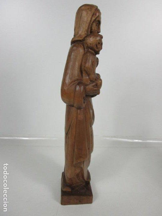 Antigüedades: Virgen con Niño - Talla de madera - Talleres de Olot - 43 cm Altura - Años 50 - Foto 5 - 198981670