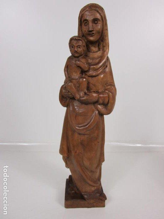 Antigüedades: Virgen con Niño - Talla de madera - Talleres de Olot - 43 cm Altura - Años 50 - Foto 8 - 198981670