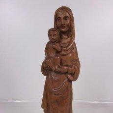 Antigüedades: VIRGEN CON NIÑO - TALLA DE MADERA - TALLERES DE OLOT - 43 CM ALTURA - AÑOS 50. Lote 198981670