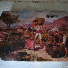 Antigüedades: RARA LATA VDA DE SOLANO VIÑEDO VIÑA SURTIDO NATA MOKA. Lote 198996018