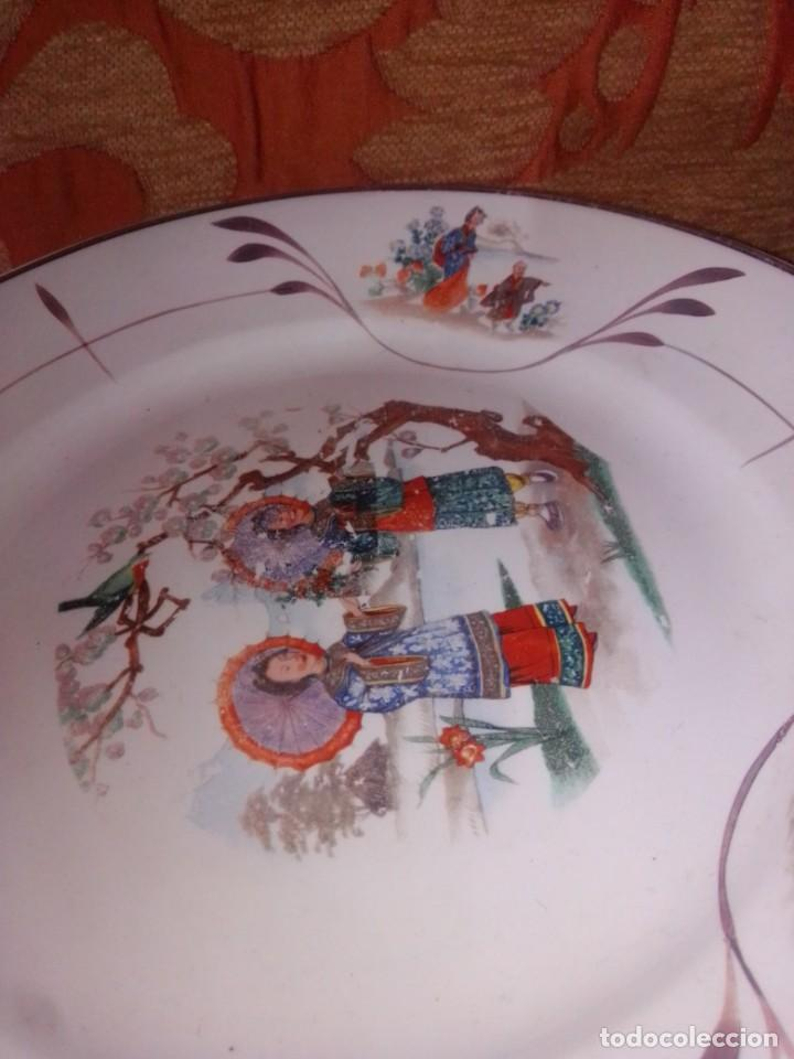 Antigüedades: Antigua pareja de platos San Claudio Oviedo con motivos chinos - Foto 4 - 199043068