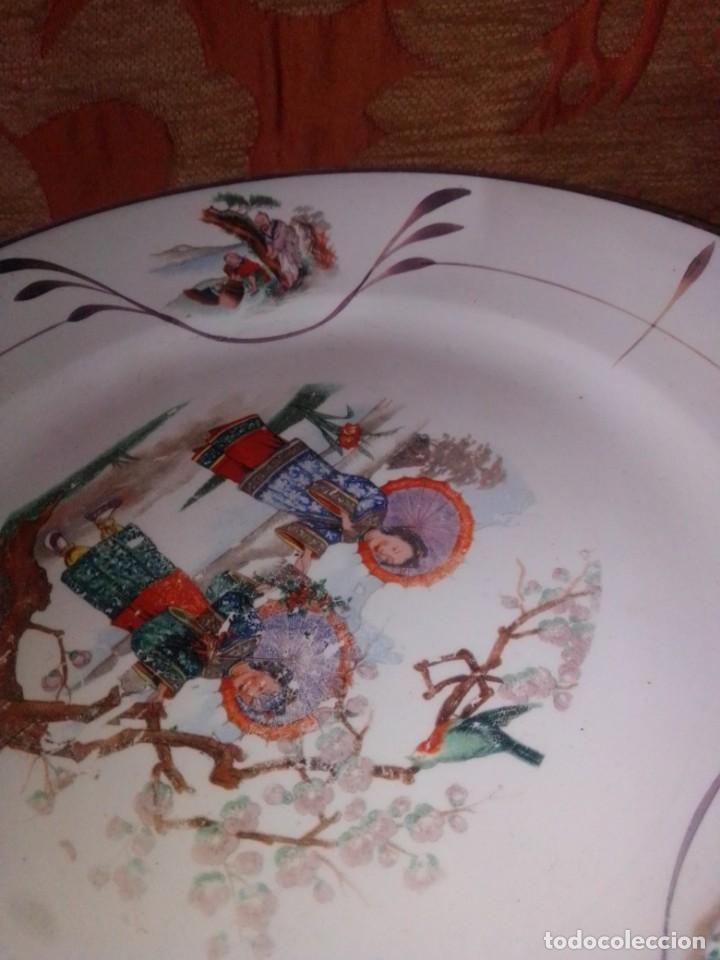 Antigüedades: Antigua pareja de platos San Claudio Oviedo con motivos chinos - Foto 5 - 199043068