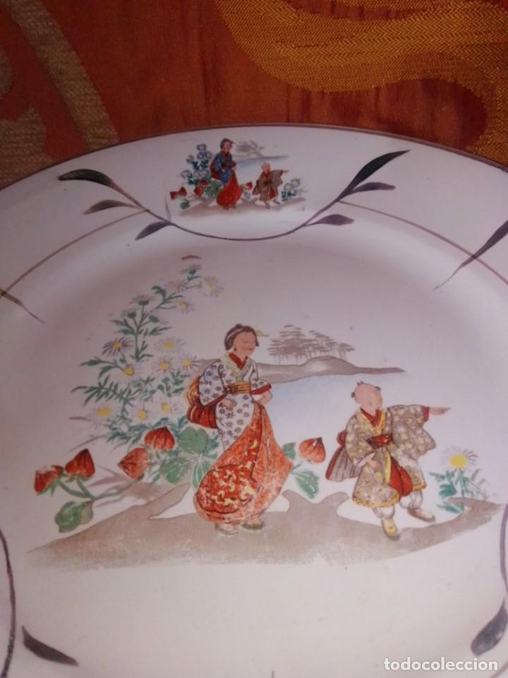 Antigüedades: Antigua pareja de platos San Claudio Oviedo con motivos chinos - Foto 11 - 199043068