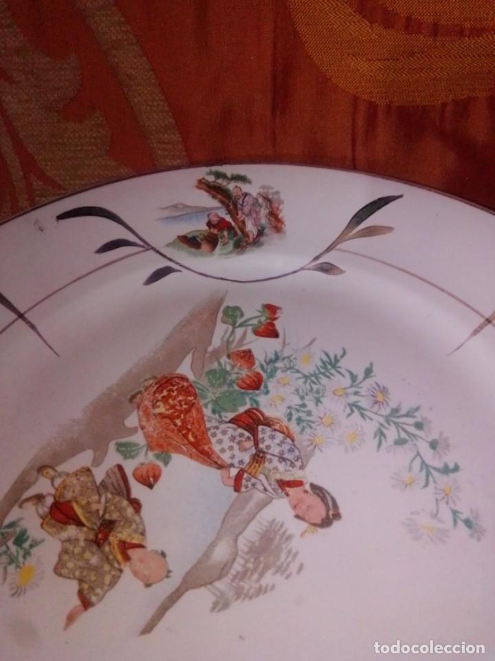 Antigüedades: Antigua pareja de platos San Claudio Oviedo con motivos chinos - Foto 13 - 199043068