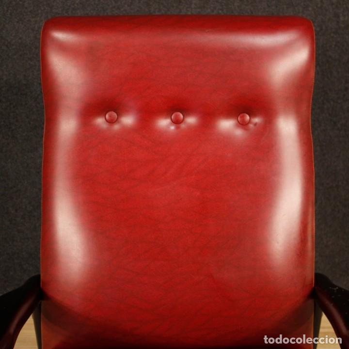 Antigüedades: Sillón de diseño italiano en piel sintética roja - Foto 11 - 199087422