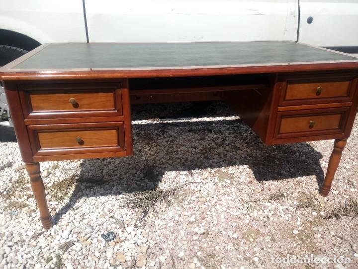 Antigüedades: Antiguo escritorio estilo luis xv con cuero verde en la superficie. - Foto 3 - 199151458