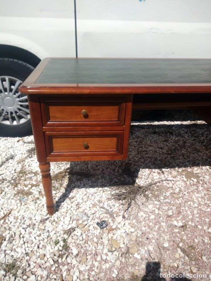 Antigüedades: Antiguo escritorio estilo luis xv con cuero verde en la superficie. - Foto 4 - 199151458