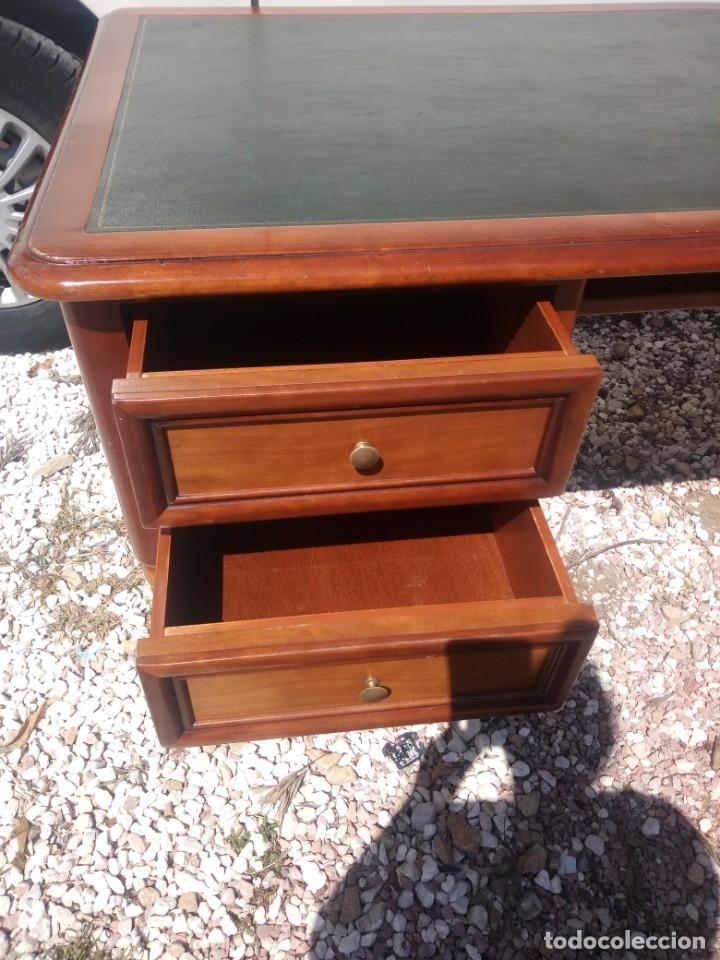 Antigüedades: Antiguo escritorio estilo luis xv con cuero verde en la superficie. - Foto 5 - 199151458