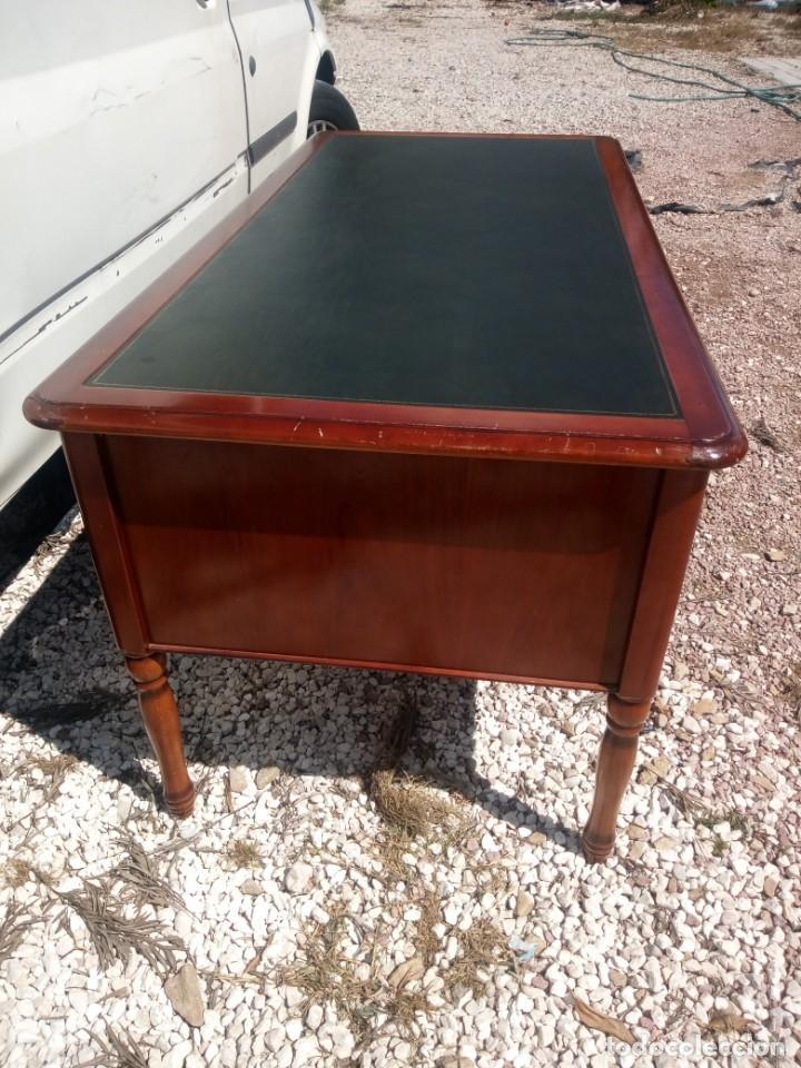 Antigüedades: Antiguo escritorio estilo luis xv con cuero verde en la superficie. - Foto 10 - 199151458
