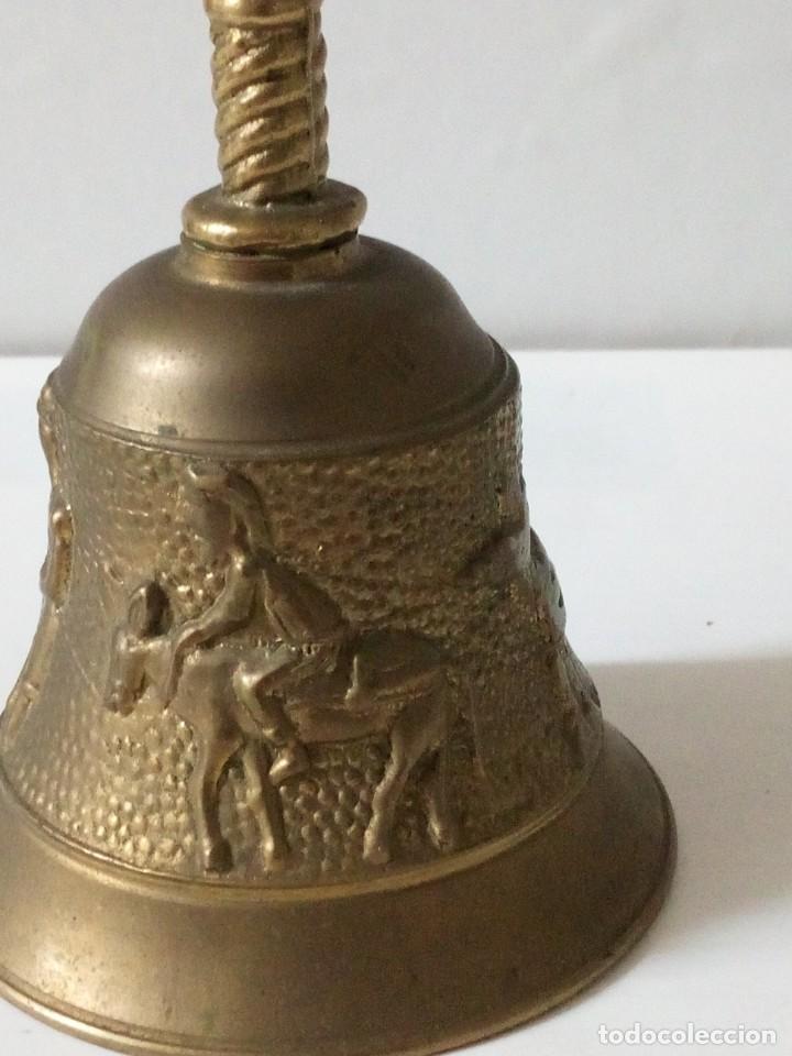 Antigüedades: ANTIGUA CAMPANILLA DE BRONCE CON MOTIVOS AGRICOLAS. - Foto 4 - 199156501