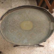 Antigüedades: BONITA MESITA ARABE PARA EL TÉ, ANTIGUA. Lote 199165691