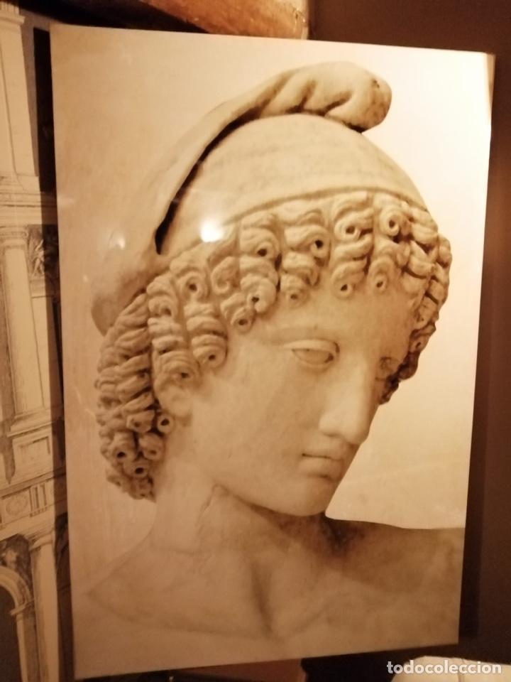 VINILO SOBRE LIENZO FIGURA CLÁSICA, 1,20 X 80, PRECIOSO, MUY DECORATIVO (Antigüedades - Hogar y Decoración - Tapices Antiguos)