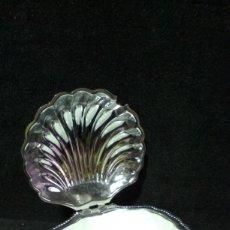 Antigüedades: JABONERA EN METAL CON CRISTAL OPALINA . Lote 199183268