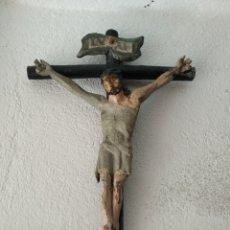 Antigüedades: CRUCIFIJO POLICROMADO. Lote 199216307