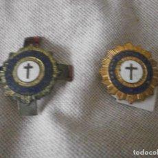 Antigüedades: 2 INSIGNIAS MEDALLA DE OJAL ADORADOR NOCTURNO ESPAÑOL 3,5 Y 2,5 CM. IND. EGAÑA MOTRICO GUIPUZCOA. Lote 199224571