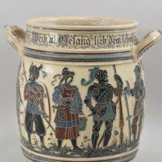 Antigüedades: MUY ANTIGUA OLLA CERAMICA RELIEVE ESMALTADA HISTORICA PIEZA MUSEO ALTURA 28 X 19 CM PESADA 890 EU. Lote 199258777