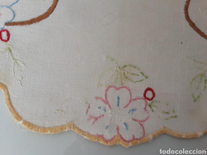 Antigüedades: Tapete bordado años 50 - Foto 4 - 199278040